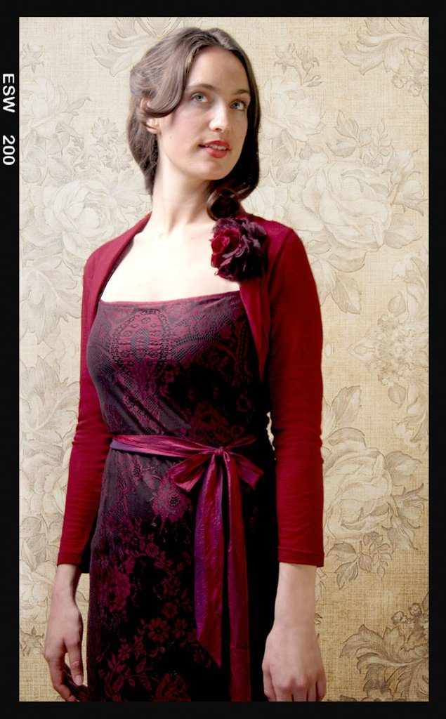 Nancy-Mac-Belle_shrug_in_deep_red_fine_knit