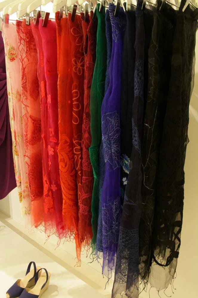 Hoe verzorg je zijden kleding
